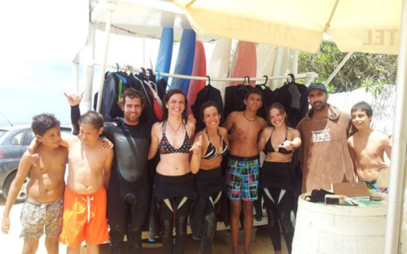 Alumnos de la escuela de surf