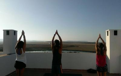 Clases de Yoga en nuestra surfhouse